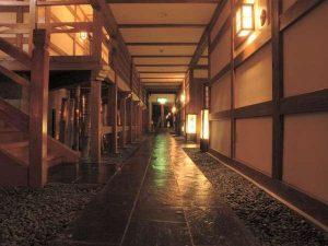 平の高房廊下
